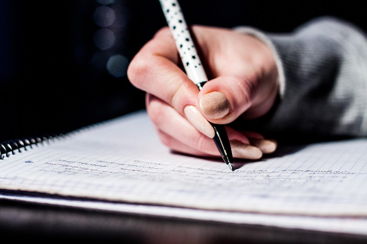 高校受験でどの学年の成績を使うかは異なる。中学1年からしっかり勉強することが大切!